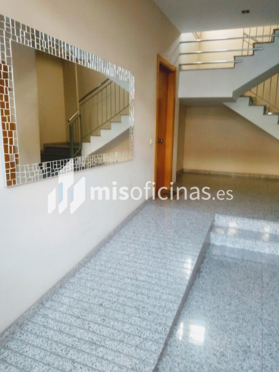 Oficina en venta en Paseo Dels Pins de 40 metros en Sant Feliu de Llobregat foto 1