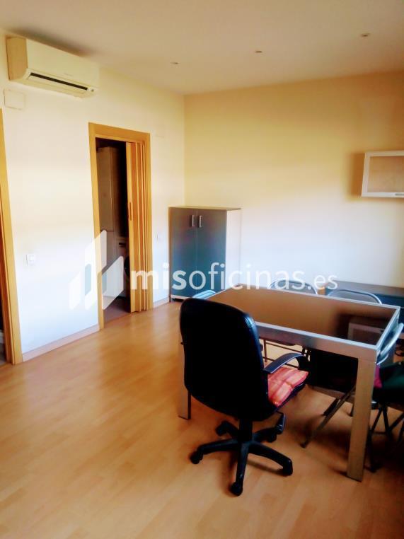 Oficina en venta en Paseo Dels Pins de 40 metros en Sant Feliu de Llobregat foto 3