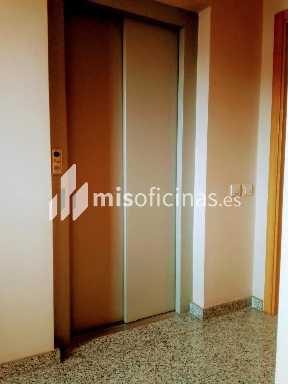 Oficina en venta en Paseo Dels Pins de 40 metros en Sant Feliu de Llobregat foto 9