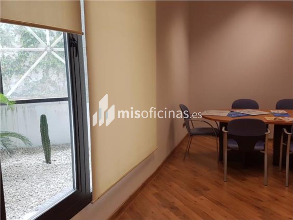 Oficina en alquiler en Calle Leonardo Da Vincci de 414 metros en SevillaVista exterior frontal