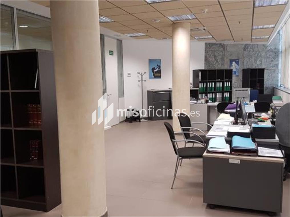 Oficina en alquiler en Calle Leonardo Da Vincci de 414 metros en Sevilla foto 3