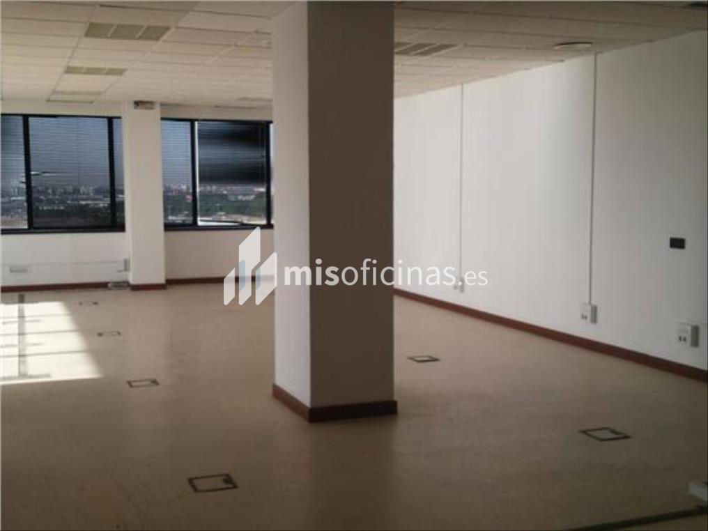 Oficina en alquiler en Calle Alcalde Luis Uruñuela de 412 metros en Sevilla foto 3