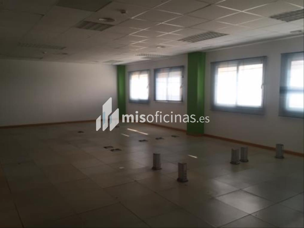 Oficina en alquiler en Avenida De Las Ciencias de 200 metros en SevillaVista exterior frontal