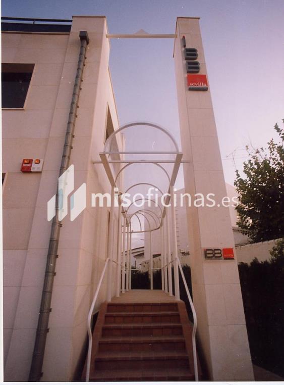 Oficina en alquiler en Avenida De La Palmera. de 500 metros en SevillaVista exterior frontal