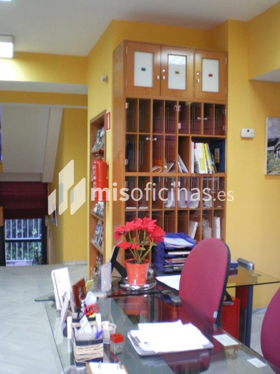 Oficina en alquiler en Avenida De La Palmera. de 500 metros en Sevilla foto 3