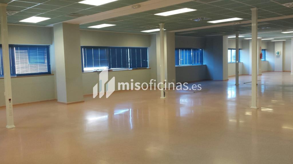 Oficina en alquiler en Avenida Alcalde Luis Uruñuela (Pal. Congresos) de 4.250 metros en SevillaVista exterior frontal