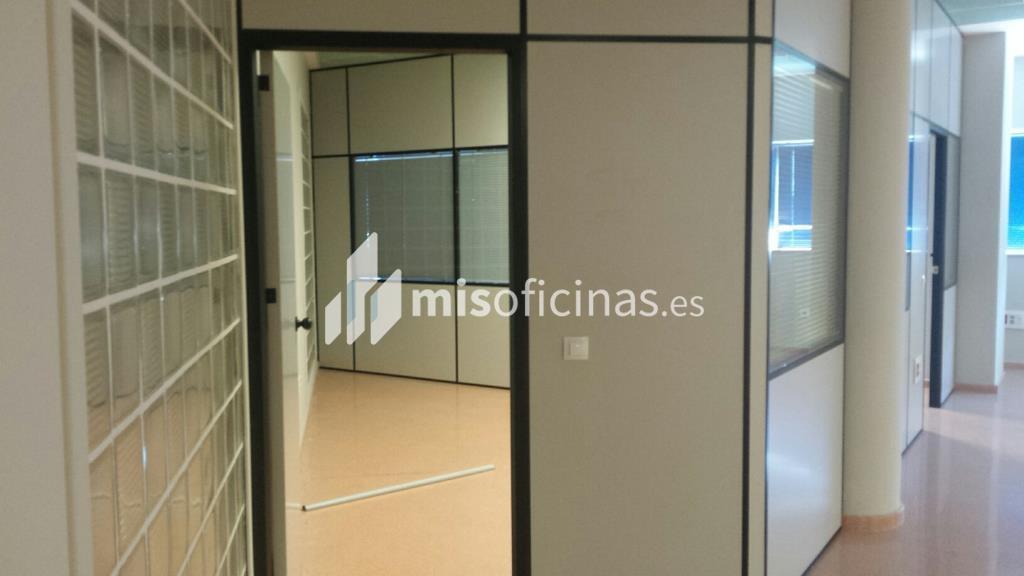 Oficina en alquiler en Avenida Alcalde Luis Uruñuela (Pal. Congresos) de 4.250 metros en Sevilla foto 3
