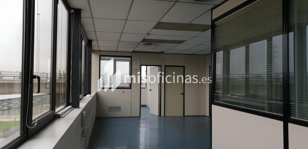 Oficina en alquiler en Paseo Fluvial 4 de 500 metros en Parets del Vallès foto 2