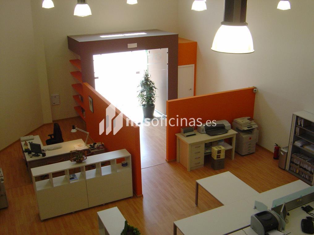 Oficina en alquiler en Calle Tajo,  Poligono La Trocha 7 de 234 metros en Coín foto 2