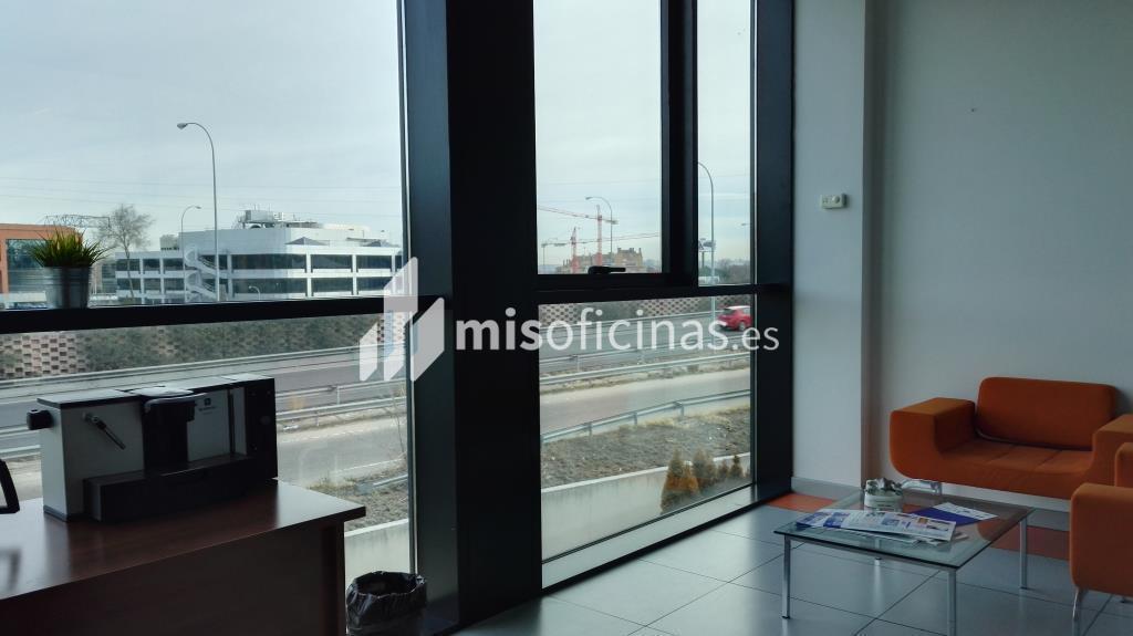 Oficina en venta de 485 metros en Pozuelo de Alarcón foto 3