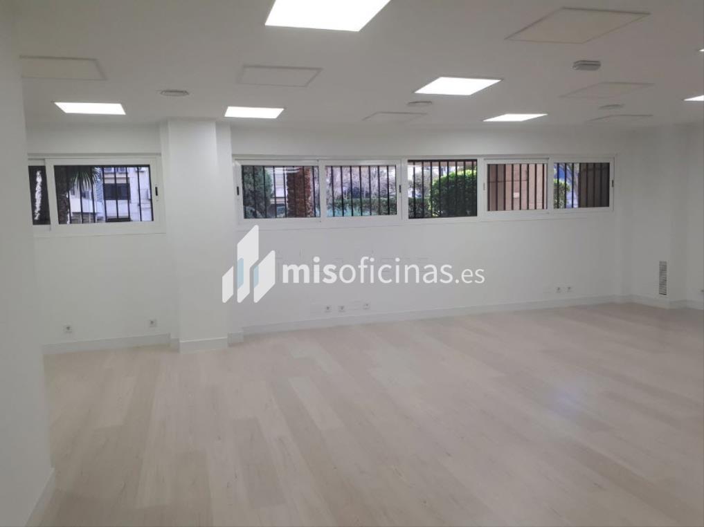 Oficina en venta de 110 metros en Chamberí, Madrid foto 2