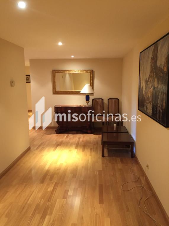 Oficina en venta de 255 metros en Tetuán, Madrid foto 2