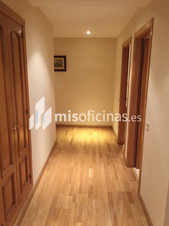 Oficina en venta de 255 metros en Tetuán, Madrid foto 3