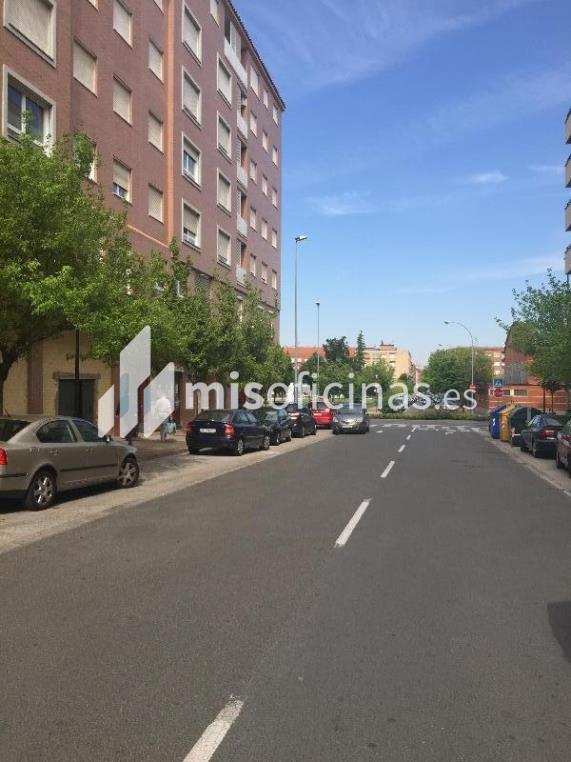 Oficina en venta en Calle Ronda De Los Cuarteles 52 de 128 metros en LogroñoVista exterior frontal