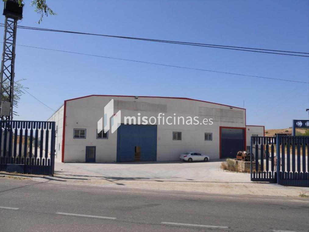 Nave en venta en Charras S/N de 2.070 metros en El Carpio de TajoVista exterior frontal