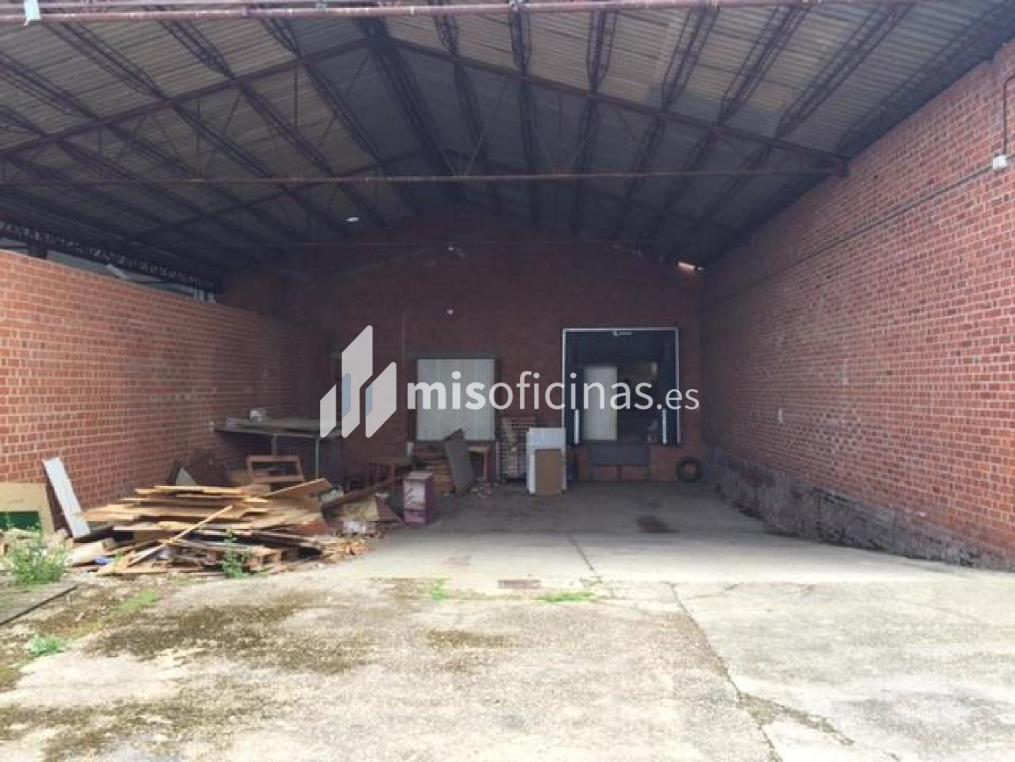Nave en venta en Madrid S/N de 3.053 metros en Medina del CampoVista exterior frontal