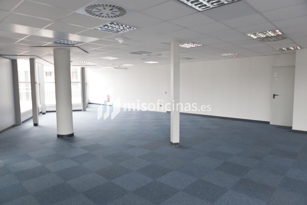 Oficina en venta en Calle Labastida 9 de 4.536 metros en Fuencarral-Tres Olivos, Madrid foto 7