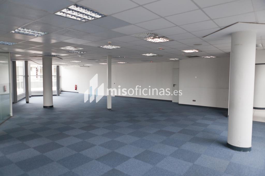 Oficina en venta en Calle Labastida 9 de 4.536 metros en Fuencarral-Tres Olivos, Madrid foto 9