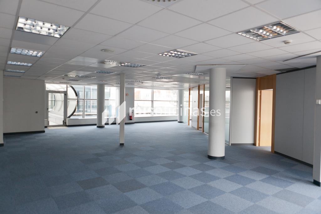 Oficina en venta en Calle Labastida 9 de 4.536 metros en Fuencarral-Tres Olivos, Madrid foto 10