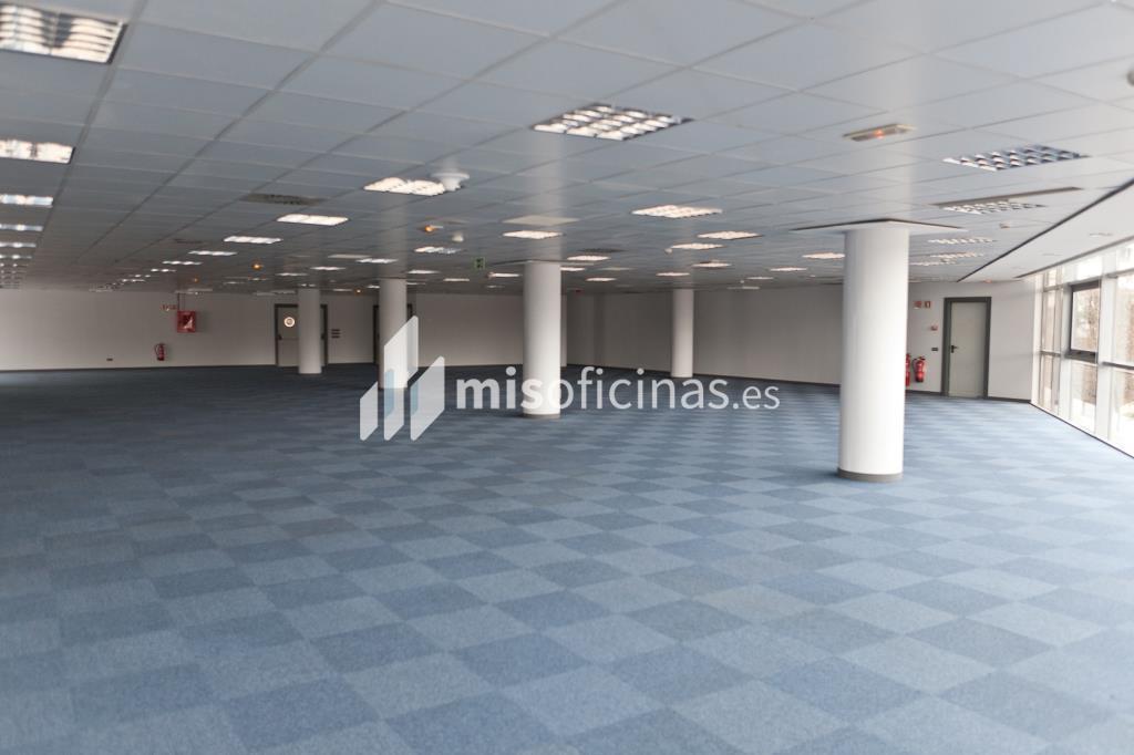 Oficina en venta en Calle Labastida 9 de 4.536 metros en Fuencarral-Tres Olivos, Madrid foto 19