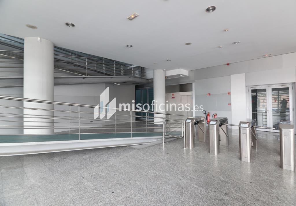 Oficina en venta en Calle Labastida 9 de 4.536 metros en Fuencarral-Tres Olivos, Madrid foto 6