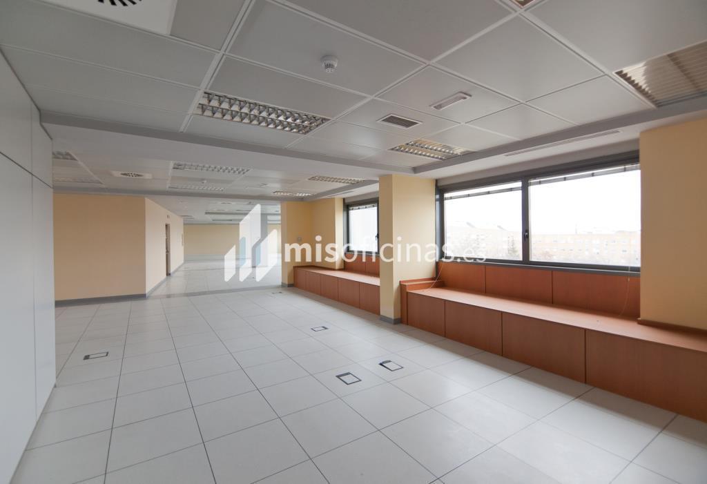 Oficina en alquiler en Plaza De La Encina 104 de 281 metros en Tres Cantos foto 16