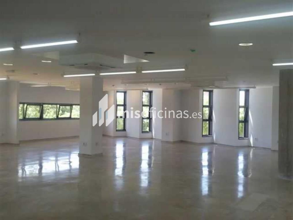 Oficina en venta de 2.163 metros en Mairena del AljarafeVista exterior frontal