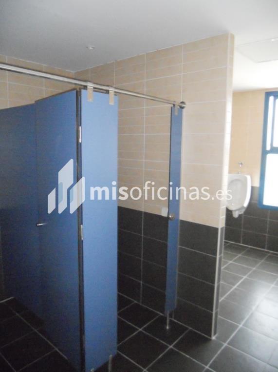 Oficina en venta en Calle Berzosa De Lozoya 1, Bl.Ofc 1 de 520 metros en Madrid foto 9