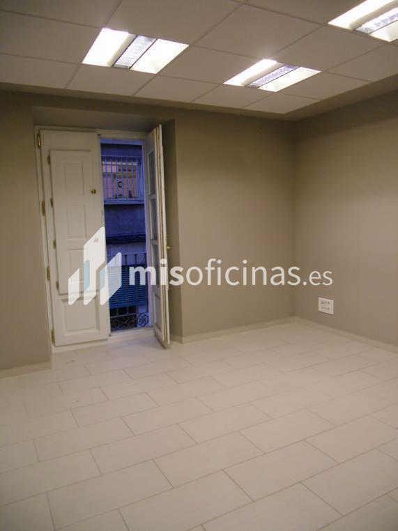 Oficina en alquiler en Plaza Sas 7 de 210 metros en Zaragoza foto 1