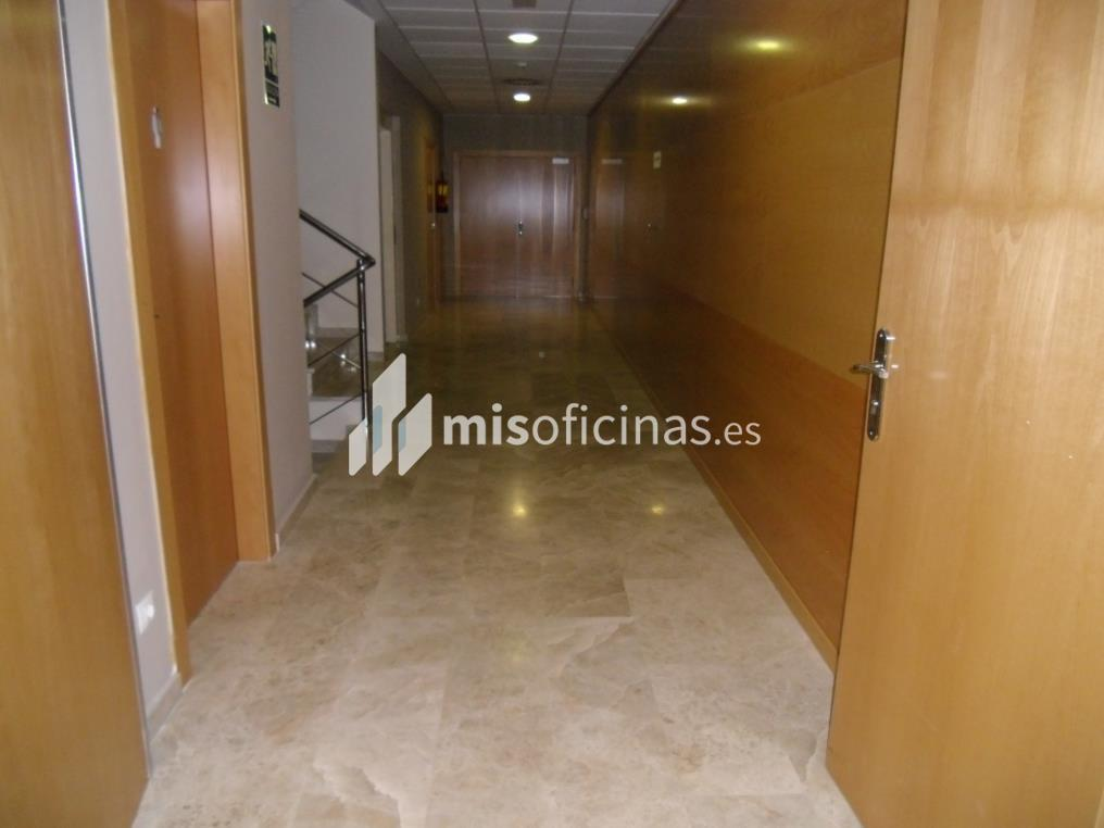 Oficina en alquiler en Calle Bari 33 de 100 metros en Zaragoza foto 1