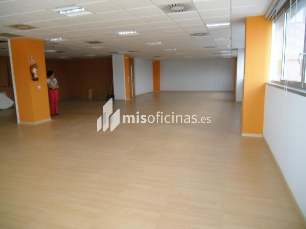 Oficina en alquiler en Calle Bari 33 de 100 metros en Zaragoza foto 2