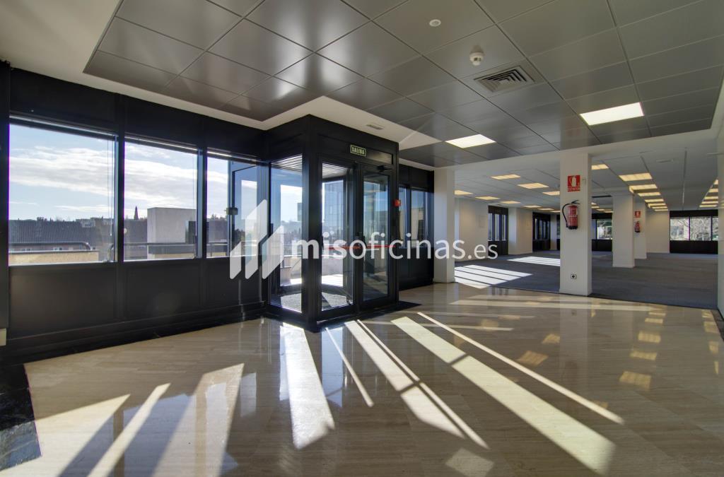 Oficina en alquiler en Calle Caléndula,  93 de 584 metros en Alcobendas foto 2