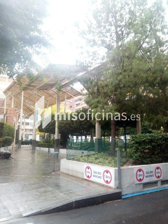 Oficina en venta en Plaza Santa Isabel 7, Pl.1 C de 238 metros en Murcia foto 2