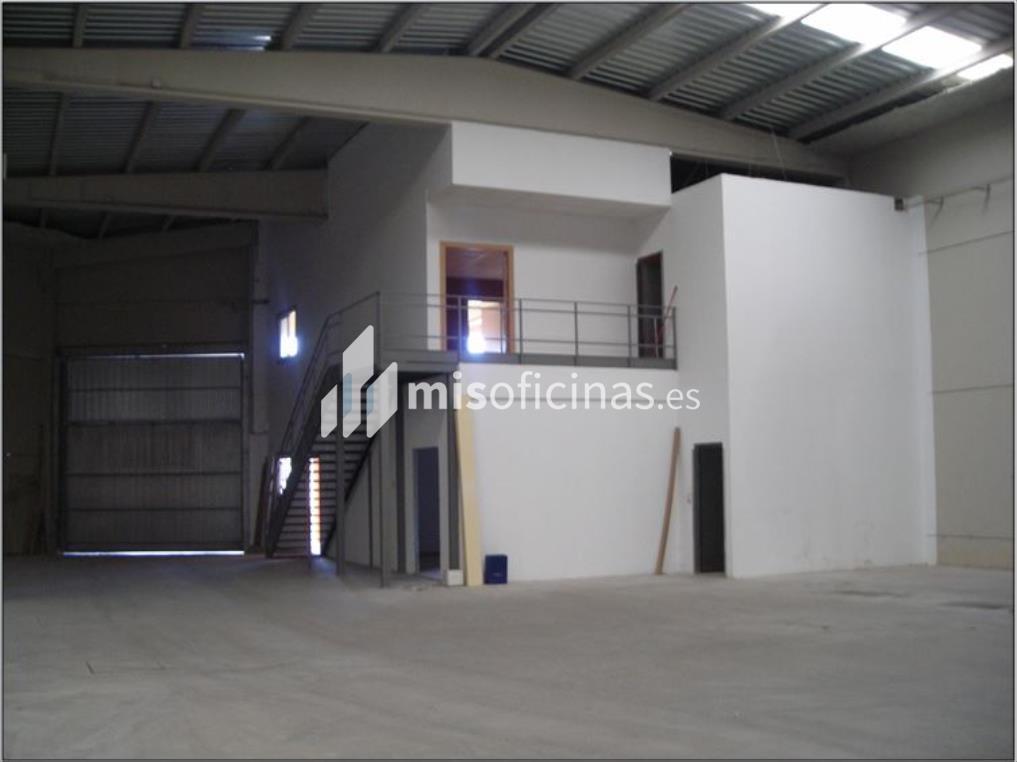 Venta de Nave en Pineta de 1.300 m² (Cuarte de Huerva)