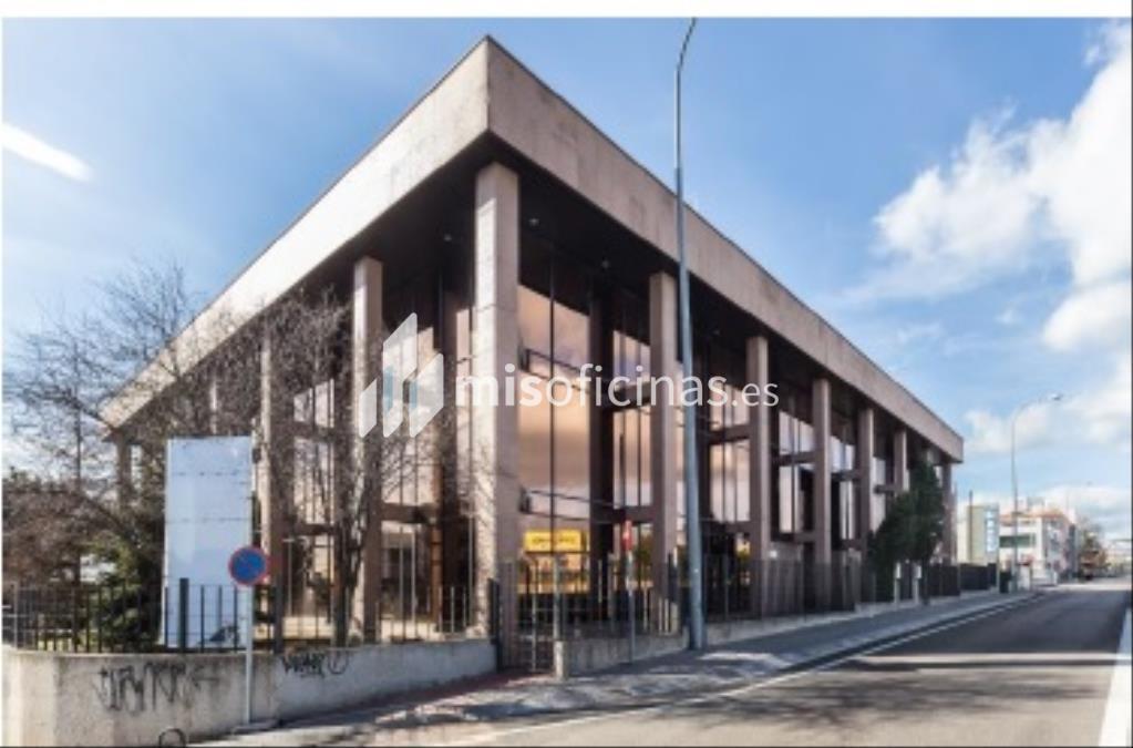 Oficina en alquiler en Calle Navaluenga 2, de 3.992 metros, Las Rozas de MadridVista exterior frontal