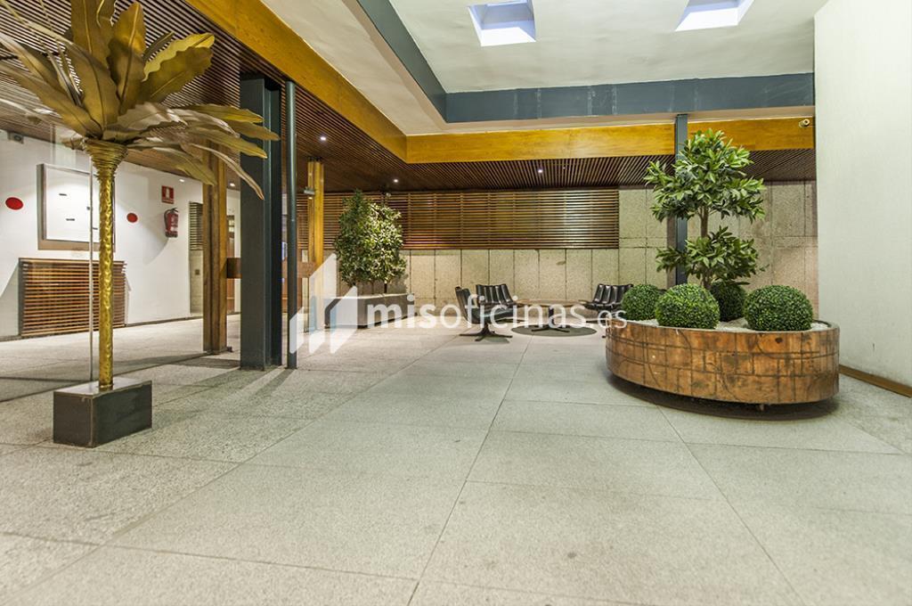 Oficina en venta en Calle Zurbano  73, Pl.1ª + 2ª de 2.600 metros en Chamberí, Madrid foto 1