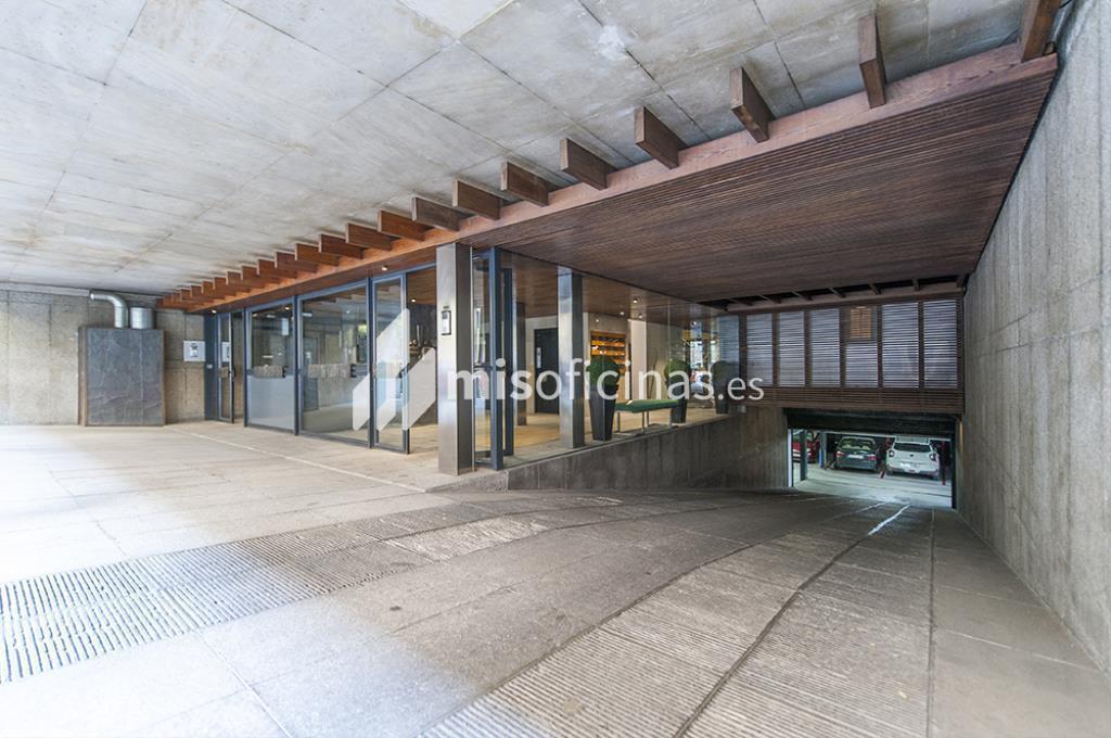 Oficina en venta en Calle Zurbano  73, Pl.1ª + 2ª de 2.600 metros en Chamberí, Madrid foto 2