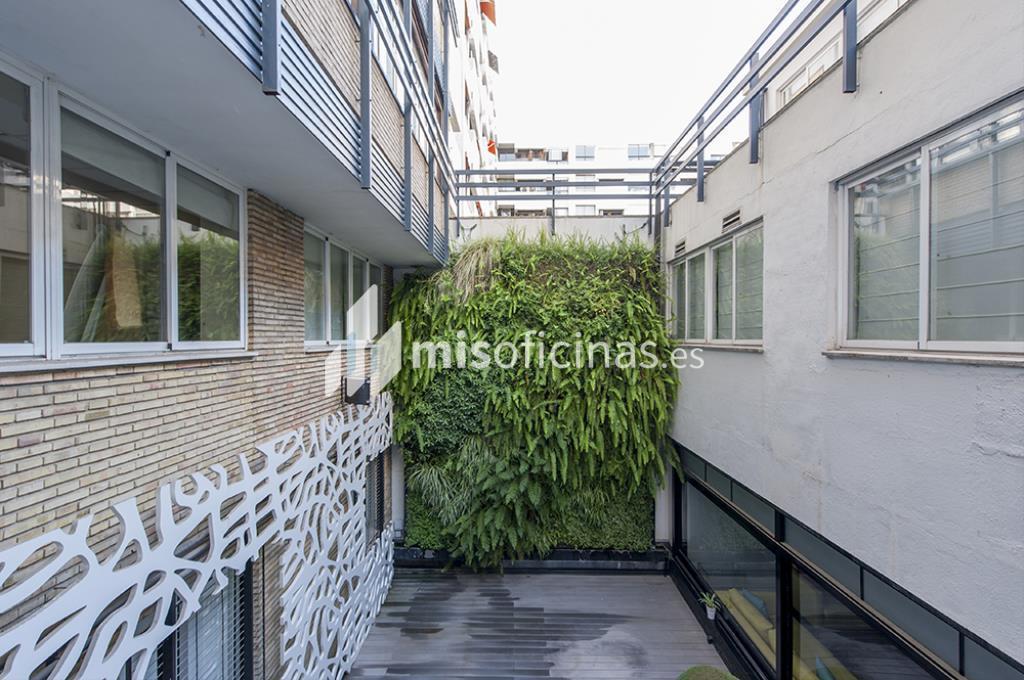 Oficina en venta en Calle Zurbano  73, Pl.1ª + 2ª de 2.600 metros en Chamberí, Madrid foto 4