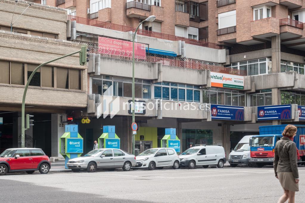 Oficina en venta en Calle De Orense  20, Pl.2 de 206 metros en Tetuán, Madrid foto 2