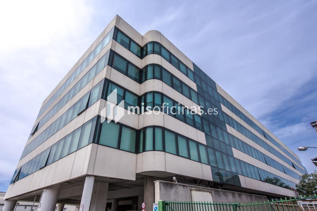 Oficina en alquiler en Calle Trespaderne 29 de 591 metros en Campo de las Naciones-Aeropuerto, MadridVista exterior frontal