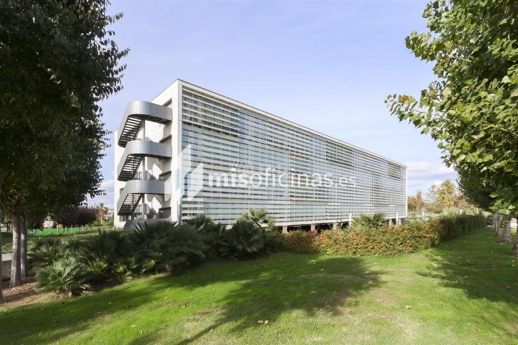 Oficina en alquiler en Calle Catalunya 83 de 234 metros en ViladecansVista exterior frontal