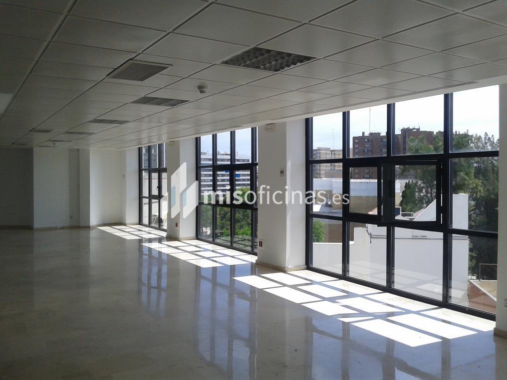 Oficina en alquiler de 76 metros en Sevilla foto 2
