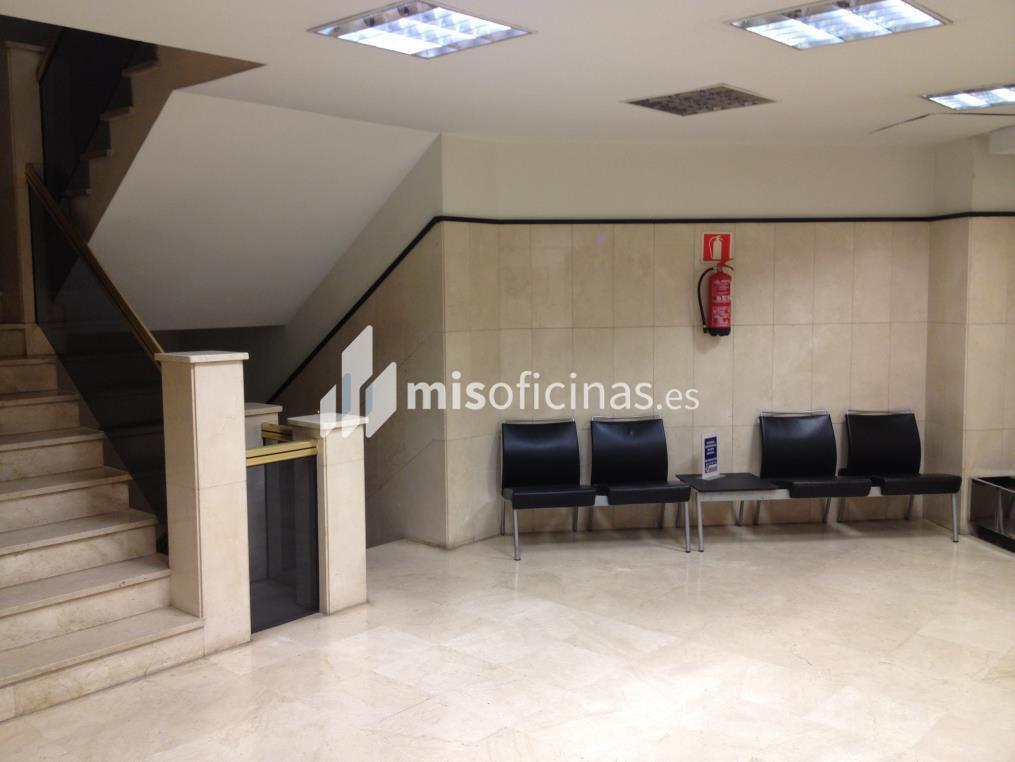 Oficina en alquiler de 76 metros en Sevilla foto 1