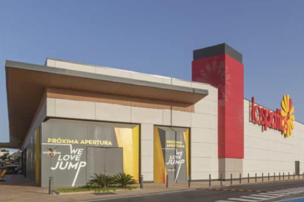 Centro Comercial Los Patios, propiedad de Carmila