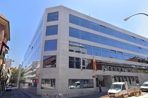 Edificio de oficinas en la calle Lérida 32-34